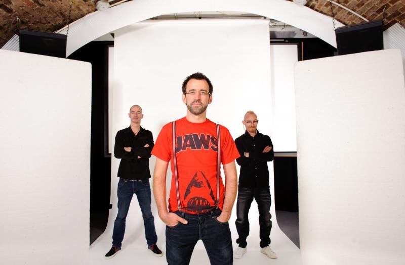 http://argentjazz.com.ar/wp-content/uploads/2012/11/Neil-Cowley-Trio-04.jpg