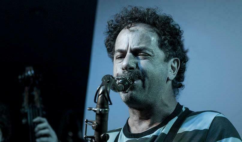http://argentjazz.com.ar/wp-content/uploads/2012/12/luisslide2.jpg