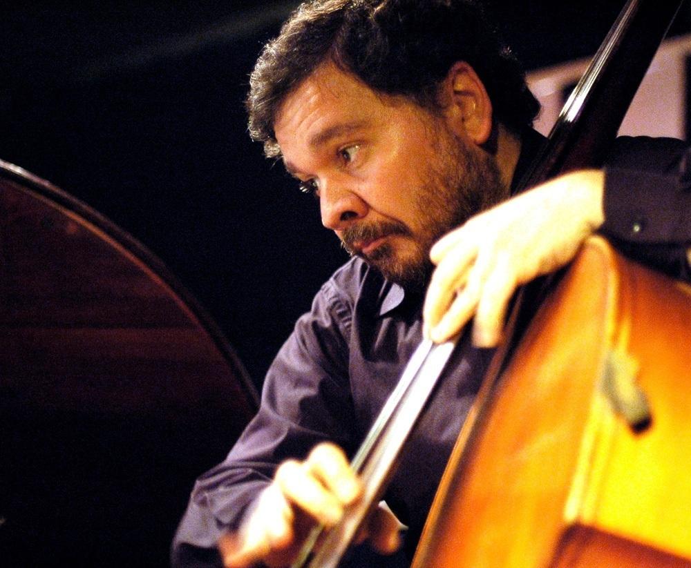 http://argentjazz.com.ar/wp-content/uploads/2013/04/Arturo-Puertas2.jpg
