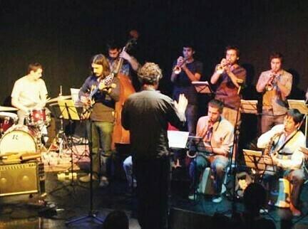 http://argentjazz.com.ar/wp-content/uploads/2014/04/OrquestaErrante.jpg