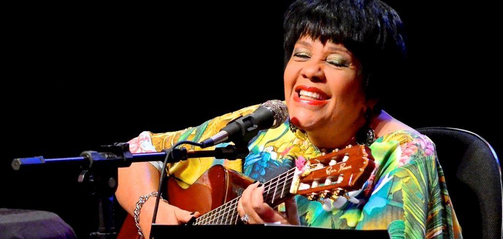 2016. Crédito: Mirna Módolo/Divulgação. A cantora Rosa Passos.