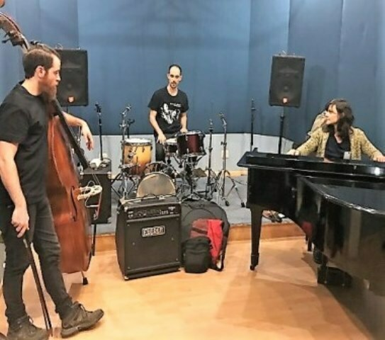 http://argentjazz.com.ar/wp-content/uploads/2018/08/Grupo-SLD-Trio.jpg